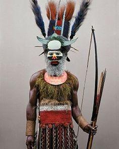Mendi tribesman, Tente village, Southern Highlands, Papua New Guinea © Malcolm Kirk