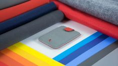 Amazing innovation by DAX, rethink and minimize your wallet with this slim card holder. DAX is the first cascading pull-tab wallet in the world. With a simple pull, watch as your cards cascade neatly in front of you. The Version 1 design uses waterproof oxford cloth while Version 2 uses superfine microfiber. Available in 6 different colours for V1, 4 colours for V2 and available in genuine leather too.