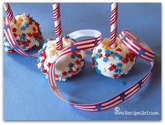 """The Recipe Girl: Celebrate the with some Festive Cheesecake Pops! Cheesecake Pops, Frozen Cheesecake, Cheesecake Cookies, Cheesecake Recipes, 4th Of July Party, Fourth Of July, Fru Fru, Recipe Girl, Holiday Recipes"