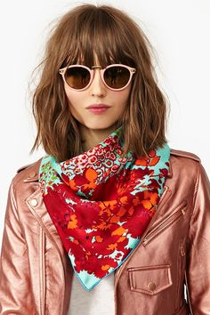Consultora de Moda e Estilo é para você que busca mudar sua vida, realçando sua aparência e se reencontrando através da nossa CONSULTORIA ONLINE QUE. Teen Fashion, Runway Fashion, Womens Fashion, Fashion Tips, Fashion Trends, Ray Ban Sunglasses, Sunglasses Outlet, Clubmaster Sunglasses, Sunglasses Online