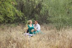 Maternity, picnic, meadow, baby, new mom, new dad, peaceful, love, pregnancy, phoenix photographer