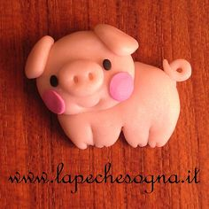 pig charm by lapechesogna on DeviantArt Pig Sketch, Diy Air Dry Clay, Clay Keychain, Flying Pig, Cute Pigs, Fimo Clay, Animal Jewelry, Clay Creations, Clay Crafts