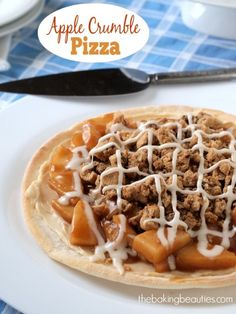 Easy #GlutenFree Apple Crumble Pizza (Giveaway) #WhatTheHack
