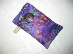 ETUI TIL MOBIL Alexander Mcqueen Scarf, Sewing, Handmade, Fashion, Moda, Dressmaking, Hand Made, Couture, Fashion Styles