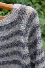 I denne opskrift har jeg valgt, at vi skal strikke på pind 4½, men grundprincippet er det samme, hvadenten du strikker på tyndere eller tykkere pinde.