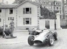 """""""Jean Behra leads Alberto Ascari during the early stages of the 1955 GP de Pau."""" : (14) Jean Behra - Maserati 250F - Officine Alfieri Maserati - (6) Alberto Ascari - Lancia D50 - Scuderia Lancia - XVI Grand Prix Automobile de Pau 1955 - Non championship formula 1 race"""