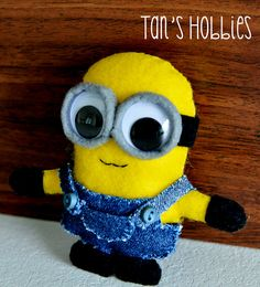 Items similar to Despicable Me - Cute Minion Felt on Etsy Minion Doll, Minion Craft, Glue Crafts, Felt Crafts, Cute Minions, Minion Party, Despicable Me, Diy Hairstyles, Cool Things To Make