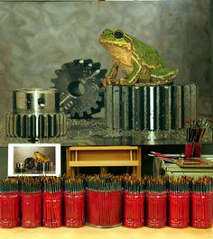 Brush Castle^^ #김영성#극사실#하이퍼리얼리즘#큐브#유화#미술관#극사실주의#개구리#gear#현대미술#YoungsungKim#ykim#Hyperrealism#hyperrealistic#oil#painting#drawing#contemporary#art#handpainted#environment#frog#snail#insect#goldfish#animal#sculpture#museum#artgallery#brush