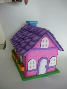 Casitas para crear con la nena Foam Crafts, Diy And Crafts, Pink Houses, Animal Fashion, 3d Paper, Spring Crafts, Cute Gifts, Alice In Wonderland, Toy Chest