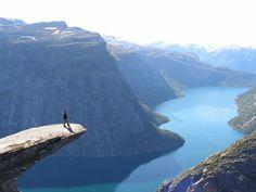 I'd be freakin out. Hello, vertigo.