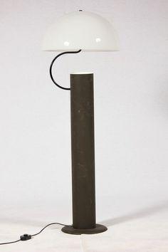 Vico Magistretti; Enameled Aluminum and Plexiglass 'Alida' Floor Lamp for O-Luce, 1977.