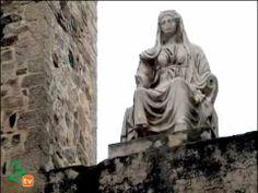 És una construcció promoguda per el cónsul Marco Vipsanio Agripa, en la ciutat de Roma de Augusta Emerita, actual Mérida, Espanya. La seva construcció es va produir en els anys 16 a 15 a.C.