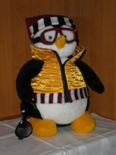 Hugsy Penguin - Friends TV Show. The BEST soft toy of Joey Tribbiani. Souvenir fits both for friends movie fans and for kids - Great GIFT! 24th Birthday, Birthday Gifts, Friends Tv Show Gifts, Joey Tribbiani, Penguins, Tv Shows, Great Gifts, Good Things, Toys