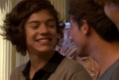 """10 more Larry moments theanchorsrope: """" Old fetus moment Behind the scenes in Kiss You When Harry was questioned about his porn choices and Louis looked straight into the camera like the. Larry Stylinson, One Direction Louis, One Direction Imagines, Direction Quotes, Larry Gif, I Believe In Love, Harry Styles Photos, Louis And Harry, Harry Edward Styles"""