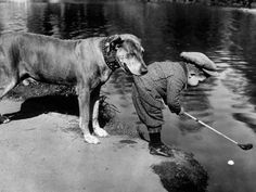 vintage everyday: 15 Funny Old Pictures of Cute Kids with Their Lovely Pets Old Pictures, Old Photos, Funny Pictures, Rare Photos, Animal Pictures, Animals For Kids, Cute Animals, Smart Animals, Mans Best Friend