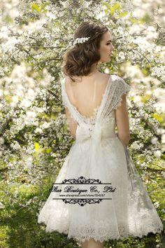Vestido De Noiva 2015 Scoop Neckline Cap Sleeve Short Lace Wedding Dresses  Backless Bridal Dress Wedding 7ce2474752ff