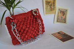 Guarda questo articolo nel mio negozio Etsy https://www.etsy.com/it/listing/543591153/crochet-raffia-bag-red-crochet-purse