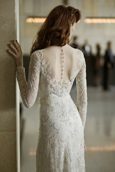 Mira-Zwillinger-Wedding-Dress-Collection-2013-2014-Ethereal-Bridal-Musings-Angelina-2.jpg (630×945)