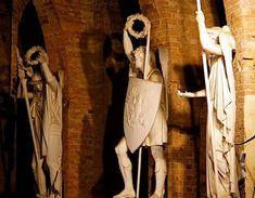 Discover the incredible secret space INSIDE the Schinkel monument in Viktoriapark, Berlin