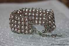 How to make a bead and chain bracelet. All photos with no real instructions, but it's easy to get the idea of how it's done. So pretty, and so many possibilities!