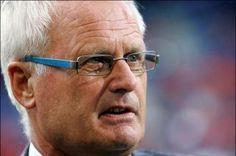 Foppe de Haan - Boegbeeld. Fanatiek, Fries en een grote liefde voor sc Heerenveen. De langst zittend trainer in de clubgeschiedenis die met Heerenveen in de Champions League speelde.
