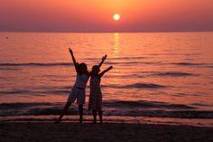 romantischer Sonnenuntergang am Strand von Punta Ala