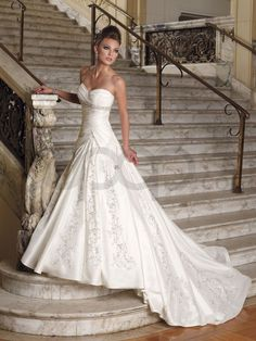 corset dresses | corset wedding dress body contour accentuated by corset wedding gowns ...