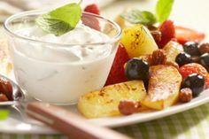 Warm gebakken fruit met friszure kwark - Culy.nl