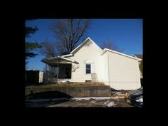 Great potential in this 3 bedroom 2 bath home in Albnay. 2.5 car garage