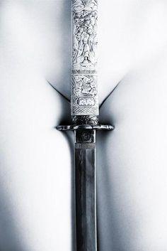 """""""para la simbolización del sexo de la mujer, el imaginario solo provee una ausencia allí donde en otros casos hay un símbolo muy destacado"""" Lacan."""