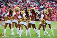 pictures of gold rush cheer leaders Cheer Picture Poses, Professional Cheerleaders, Cheer Pictures, Gold Rush, San Francisco 49ers, Cheerleading, Nfl, Image, Nfl Football