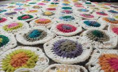 A new granny hexagon!  Find this pretty pattern at Sweet Kiwi Crochet .
