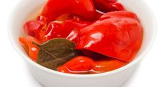 Červená paprika v sladkokyslom náleve s olejom, fotogaléria 1 / 1. Watermelon, Stuffed Peppers, Fruit, Vegetables, Food, Red Peppers, The Fruit, Veggies, Vegetable Recipes