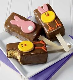 Simply Designing with Ashley: Rice Crispy Pops (Easter Style) Rice Crispy Pops, Rice Crispy Treats, Krispie Treats, Rice Krispies, Easter Treats, Cookie Decorating, Decorating Ideas, Easter Recipes, Holiday Treats
