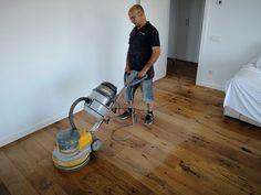 Aplicando aceite de mantenimiento en un parquet multicapa de roble Home Appliances, Wood Flooring, Oak Tree, Oil, House Appliances, Appliances