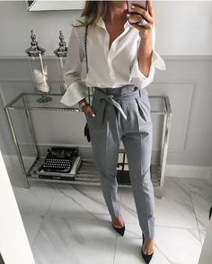 40 Trendy Work Attire & Office Outfits For Business Women Classy Workwear for Pr. - 40 Trendy Work Attire & Office Outfits For Business Women Classy Workwear for Professional Look – Li Check office fashion women w Summer Work Outfits, Casual Work Outfits, Work Casual, Comfortable Outfits, Stylish Outfits, Casual Summer, Outfit Work, Outfit Office, Office Uniform