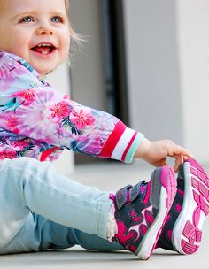 She loves pink! #superfitshoes #pink