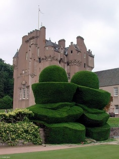 Sculptured Topiary, Crathes Castle gardens