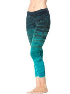 Hard Tail Forever - Flat Waist Capri Legging