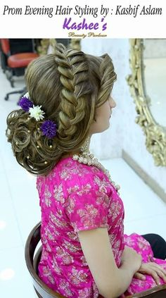 Attractive Images of Kashees makeup and hairstyle for brides http://www.fashioncluba.com/2017/02/kashees-new-look-makeup-and-hair-styles-for-bridal.html