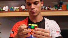 Confira a resolução do cubo mágico em 9 segundos com o cubista Renan Cerpe. Como montar o cubo mágico em 9 segundos.