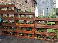 Pallet per arredare il giardino! 20 idee... Lasciatevi ispirare... #GardenWall