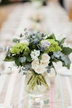 44 Beautiful Green And White Flower Arrangements Ideas - Beautiful flower arrangements - Arranjos Wedding Table Flowers, Wedding Table Centerpieces, Floral Centerpieces, Floral Wedding, Wedding Bouquets, Wedding Decorations, Trendy Wedding, Greenery Centerpiece, Wedding Table Arrangements
