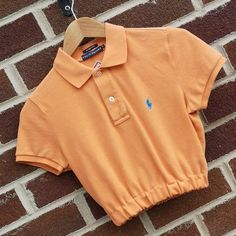 Polo Shirt Refashion, Diy Kleidung Upcycling, Umgestaltete Shirts, Polo Shirt Outfits, Look Girl, Casual Outfits, Fashion Outfits, Crop Shirt, Aesthetic Clothes