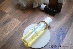 Zvláčňující a krásně voňavý DIY sprchový olej s ylang ylang (jednoduché recepty na DIY kosmetiku)