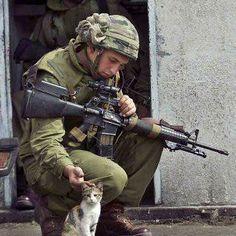 Um jovem soldado e uma guerra qualquer por aí...