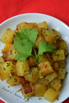 Sweet n' Savory Life: Garlic & Cilantro Baked Home Fries