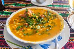 Traditional Locro, an infallible recipe to enjoy an Argentine classic. Argentine, Spicy Sausage, Plum Tomatoes, Pork Ribs, Other Recipes, Stew, Stuffed Peppers, Dishes, Vegetarian