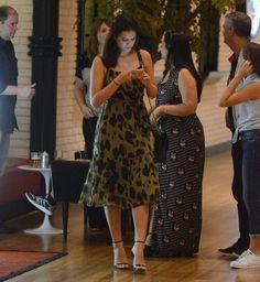 Inspire se em 2 looks de Luiza Brunet com vestidos pretos