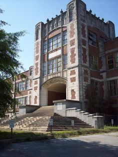 abandonedplaces: Abandoned High/Middle/Elementary School?